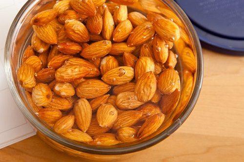Cách ăn hạt hạnh nhân