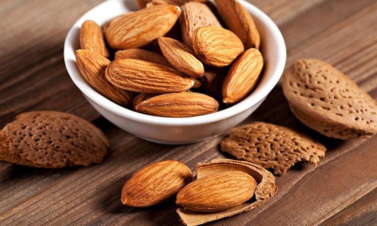 Ăn hạt hạnh nhân có béo không