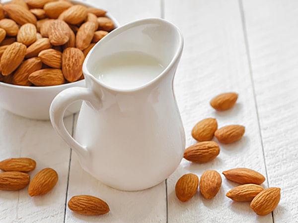 cách làm sữa hạnh nhân giảm cân